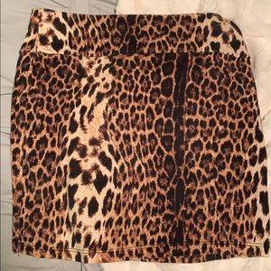 Cheetah print tight skirt